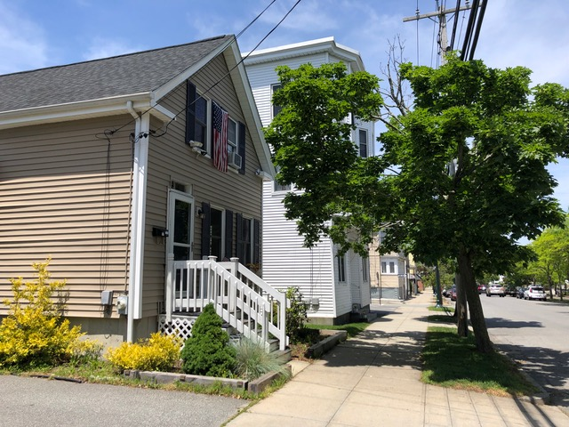 The Maria Hazard House (left) in the New Goree neighborhood of Bristol, RI. Courtesy Catherine W. Zipf